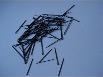 Etalagespelden zwart 26mm 500 gram ongeveer 5750 stuks.