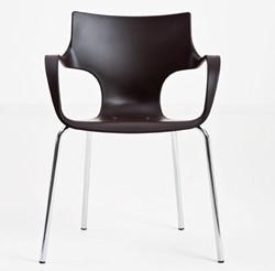 Meet-chair JIM stapelbare bijzetstoel van polypropyleen in de kleur antraciet met armleggers en chroom onderstel.