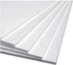 Foamboard 70x100cm dikte 10mm 2-zijdig wit CFK vrij. Afname per 10 stuks.