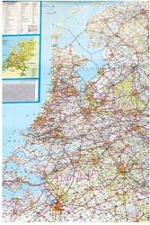 Landkaart Nederland wegenkaart 130 x 100 cm op rol - geplastificeerd inclusief posterstrips.