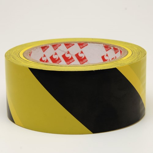 Vloermarkeringstape PVC 50mm x 33 meter geel/zwart.